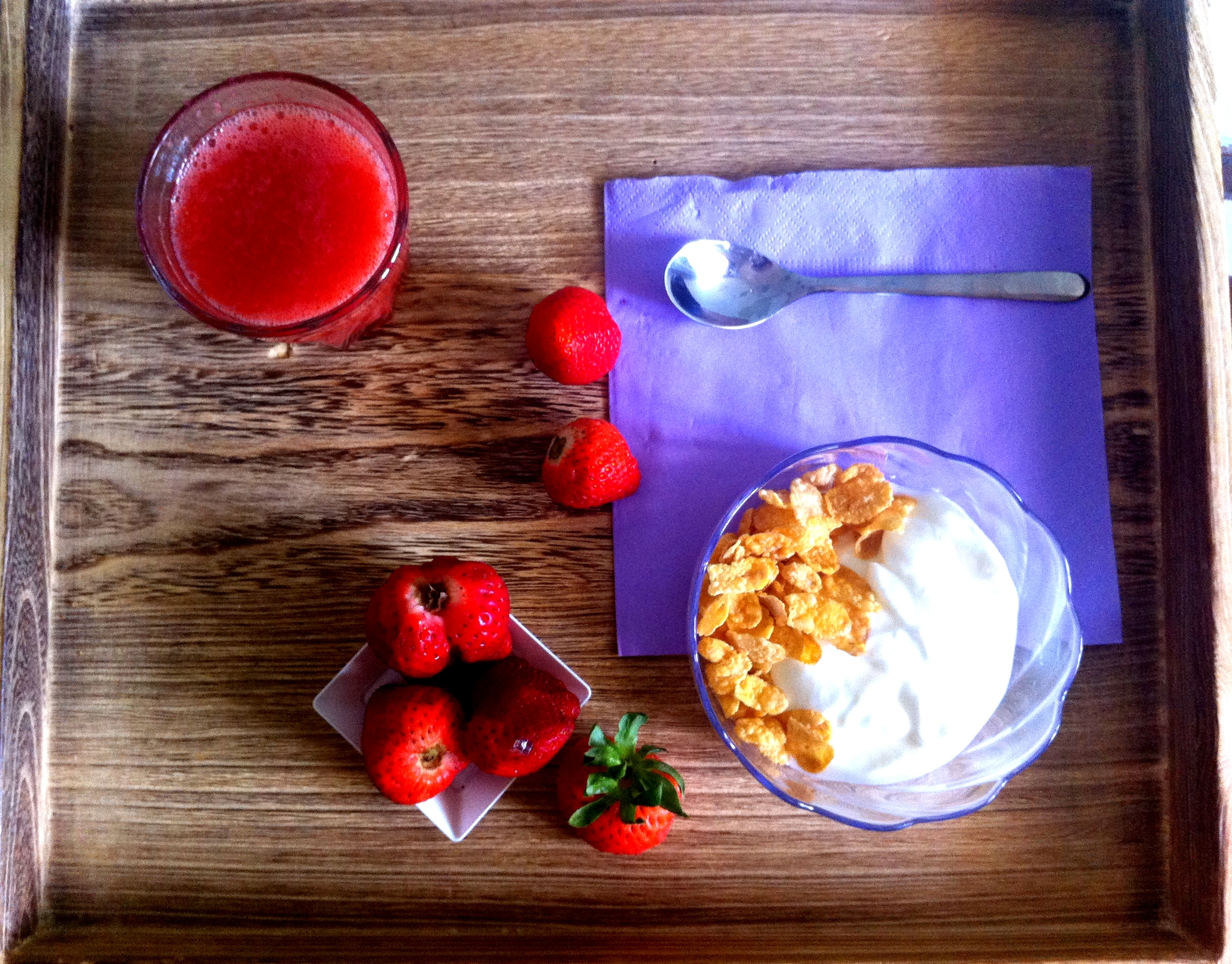 fragole yogurt cereali