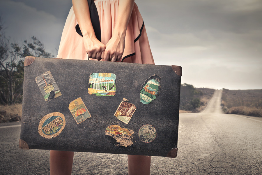 Exploring-Girl-with-Suitcase