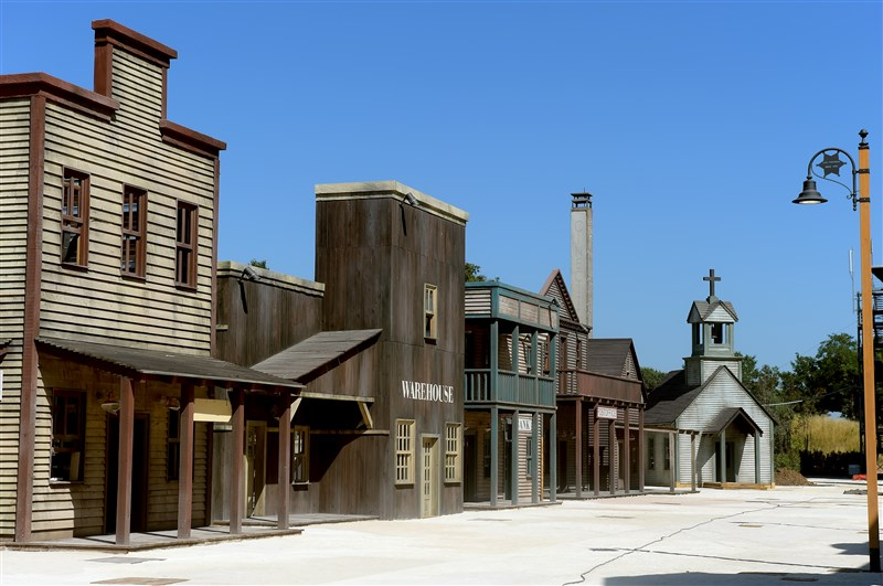 cinecittaworld_western-movie-set