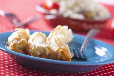 Bulgaria, Baniza puff pastry pockets