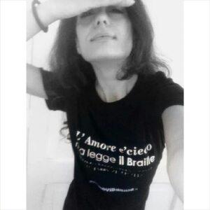 selfie l'amore è cieco ma legge il braille