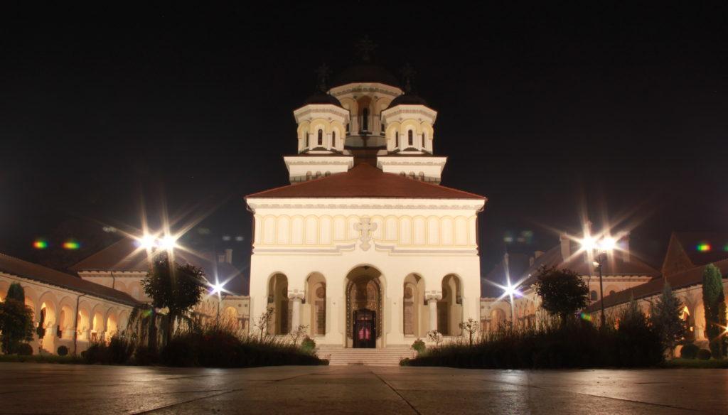 Alba_Iulia_Catedrala_Ortodoxă_noaptea