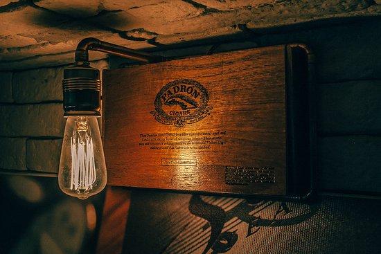 caldo sofia locale per bere ottimo whisky